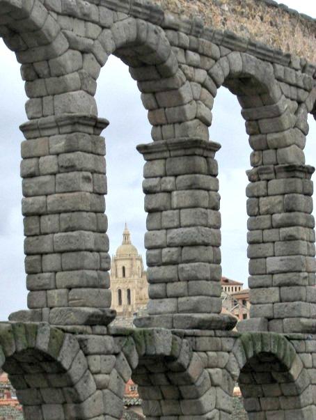 Points of Interest in Segovia, Spain #segoviaspain #segoviaattractions #segoviahistory #visitsegovia #visitspain